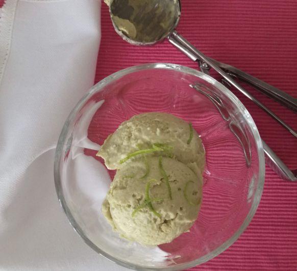 Helado de aguacate y leche de coco, sin lactosa hecho en Thermomix®
